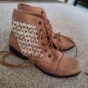 Lace detail boots